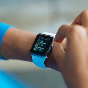 How Apple Watch measures your heart rate.